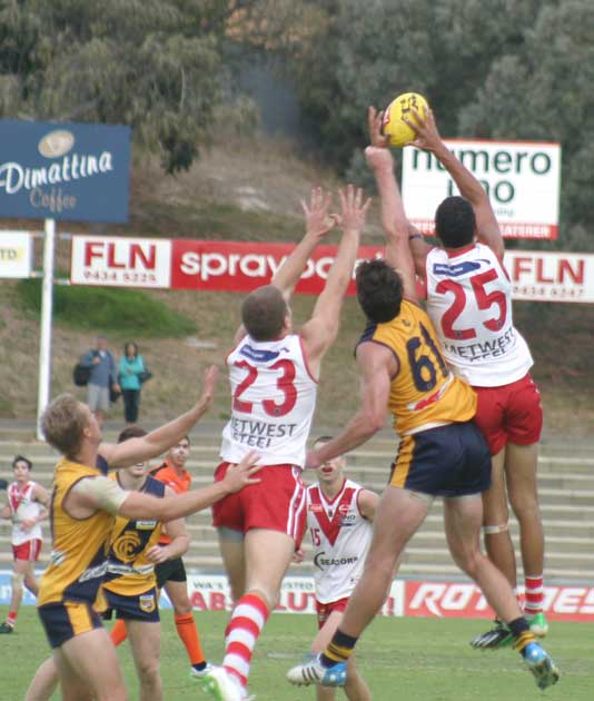 A strong mark by South Fremantle's Marlon Pickett. Photo by Les Everett