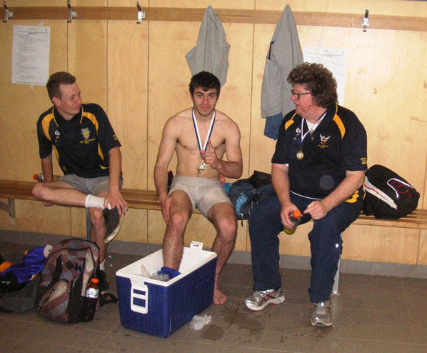 Premiership players Andrew Villiers and Kelvin O'Connor with coach Rob Klemm.