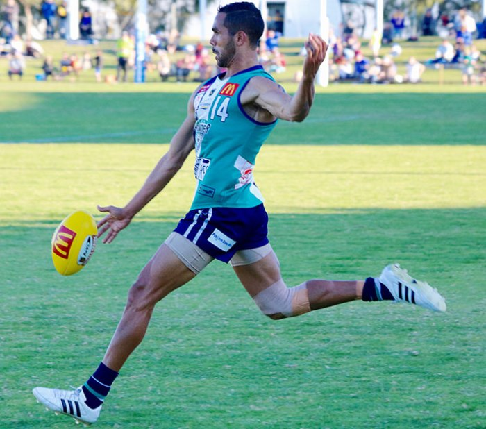 Shane Yarran kicked three goals for Peel.